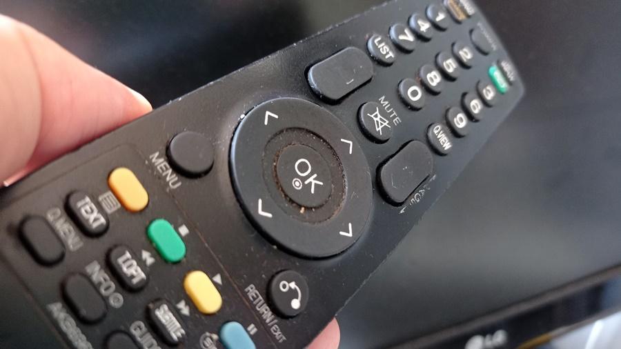 Co kupić do starego telewizora, żeby odbierał telewizję naziemną w nowym systemie DVB-T2?